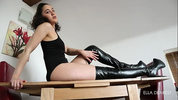 Boots, Boot, Boot licking
