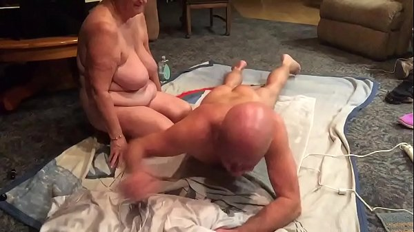 Wife massage, Massage wife