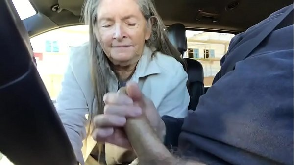 Granny, Grannies, Granny blowjob, Blowjob cum, Blowjob in car, Car blowjob
