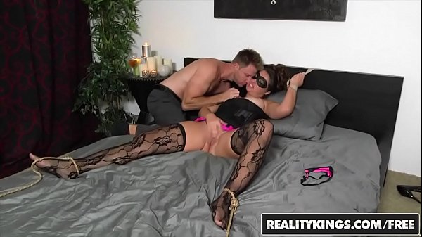 Cash, Mask, Milf hunter, Realityking, Masked, Levi cash