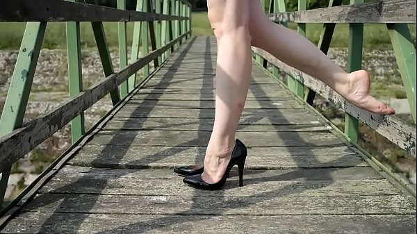 High heels, Shoeplay, Barefoot