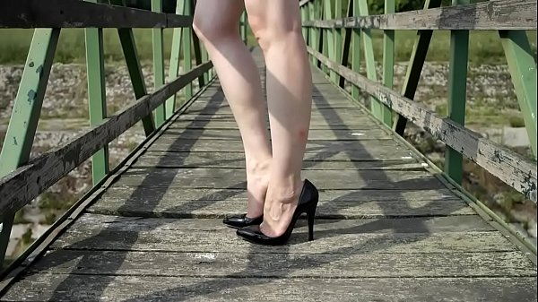 High heels, Shoeplay, Barefoot, High-heeled