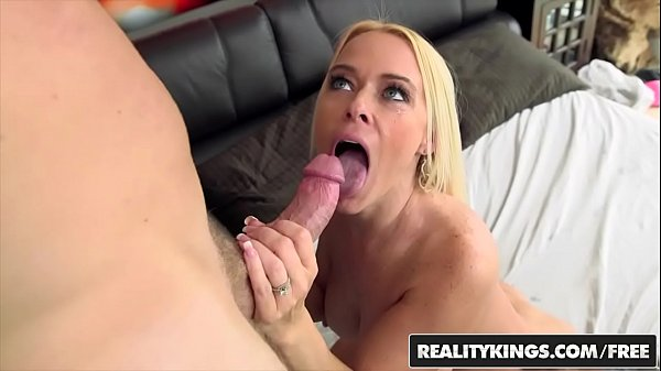 Hunter, Milf hunter, Steele, Savannah, Levi cash, Levis