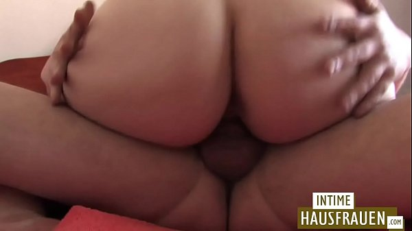 Mom sex, Young mom