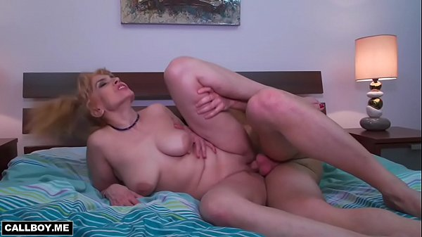 Milf mom, Shaved pussy, Mom pussy, Shaving pussy, With mom, Moms pussy