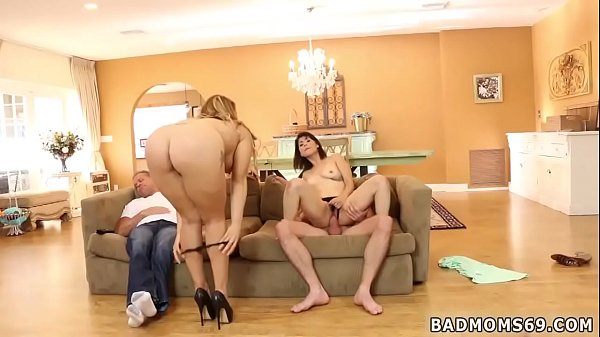 Mommy, Milf party