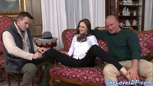 Babe threesome, Babes anal