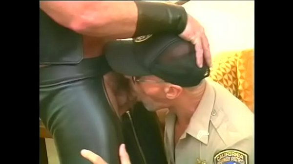 Leather, Police