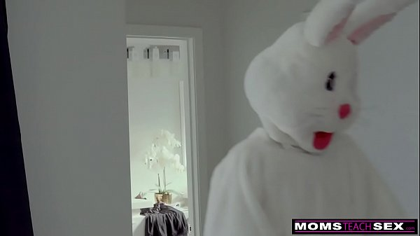 Mom daughter, Bunny, Mom cum, Hunted, Hunt, Mom and daughters