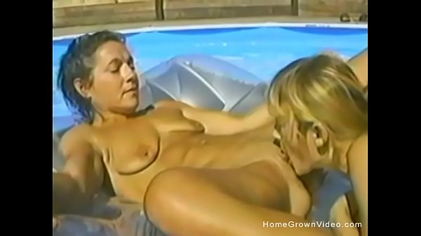 Pool, Amateur threesome, Threesome amateur, In pool